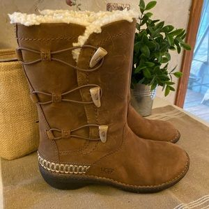 🆕 Ugg Leather Boots NWOT.